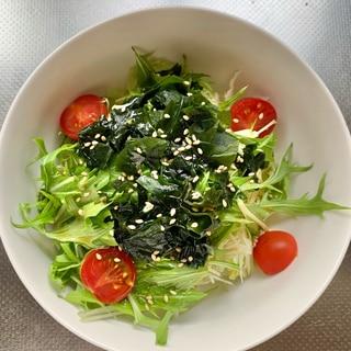 水菜とわかめのチョレギ風サラダ