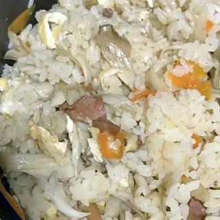 焼き鳥缶とごぼうの炊き込みご飯