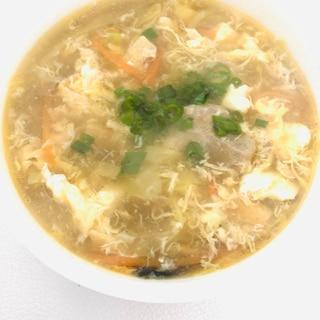 具たくさん温まる酸辣汤(サンラータン)