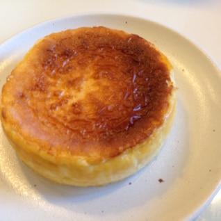 混ぜて焼くだけ!簡単すぎる絶品ベイクドチーズケーキ