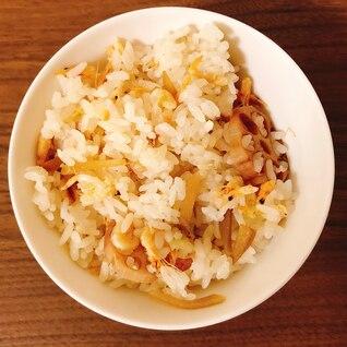 桜海老とレンコンの炊き込みご飯