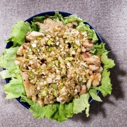水菜がなかったのでレタスにしました。簡単でタレが特においしかったです!