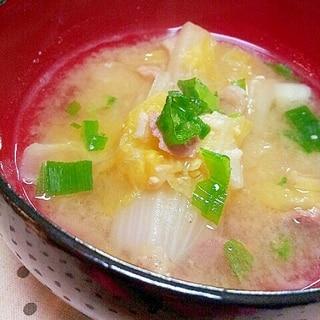 お肉の旨味がたっぷり✿白菜と豚肉のお味噌汁❤
