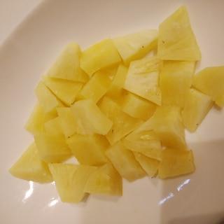 固くて酸っぱいパイナップルを簡単においしくする方法