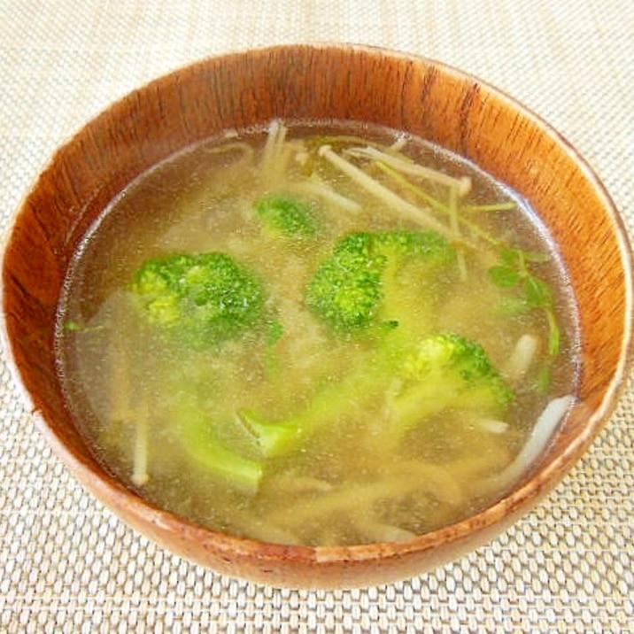 ブロッコリーとエノキタケのお味噌汁♪