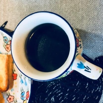 おはようございます✨娘を送り出した後、1人で朝ごはん.してます。いつもより丁寧にコーヒーをいれたので、美味しかったです♪