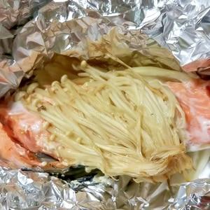 新たまねぎ!鮭のホイル焼き(ポン酢バター)