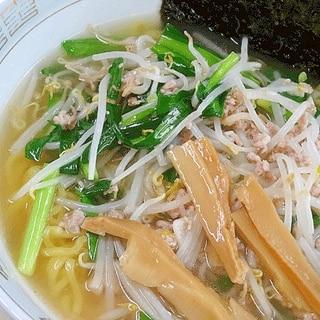 市販のスープで☆ 「ニラもやし塩ラーメン」
