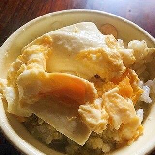 豆腐と卵ののっけ丼