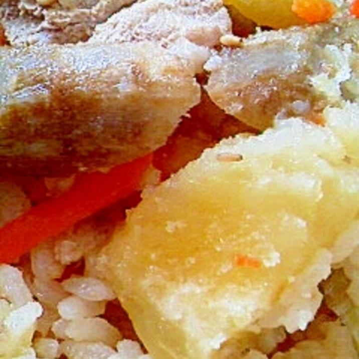 豚モモ肉とお野菜の炊き込みご飯