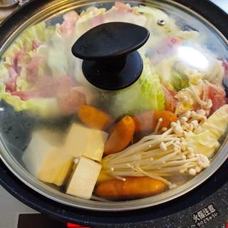 春キャベツと豚肉のヘルシーミルフィーユ鍋