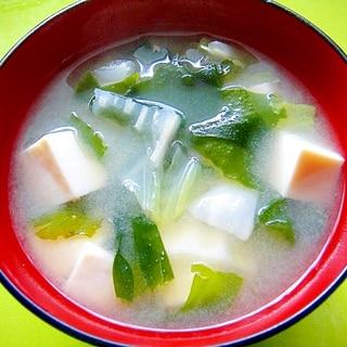白菜豆腐わかめの味噌汁