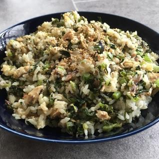 大根葉とサバ缶と梅干しの焼飯♪