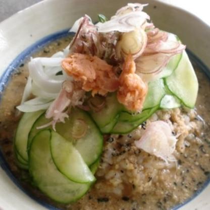 初めて作りましたが、食欲のない夏の昼食にはぴったりでした。 レシピをありがとうございました。