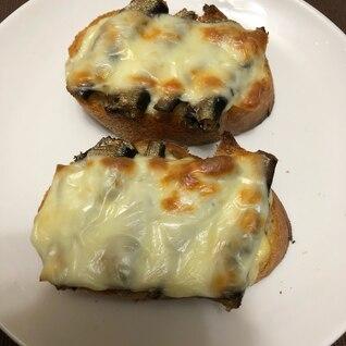 スモークオイルサーディンのトースト