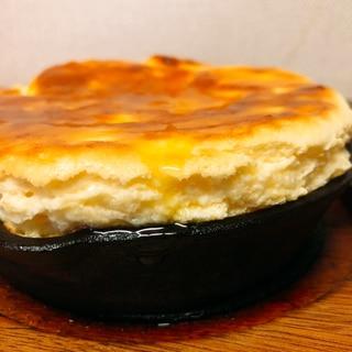 スキレットチーズスフレパンケーキ