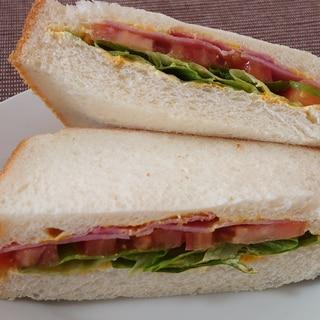 BLT(ベーコン・レタス・トマト)サンド