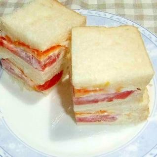 母の日に 卵とトマトのサンドイッチ