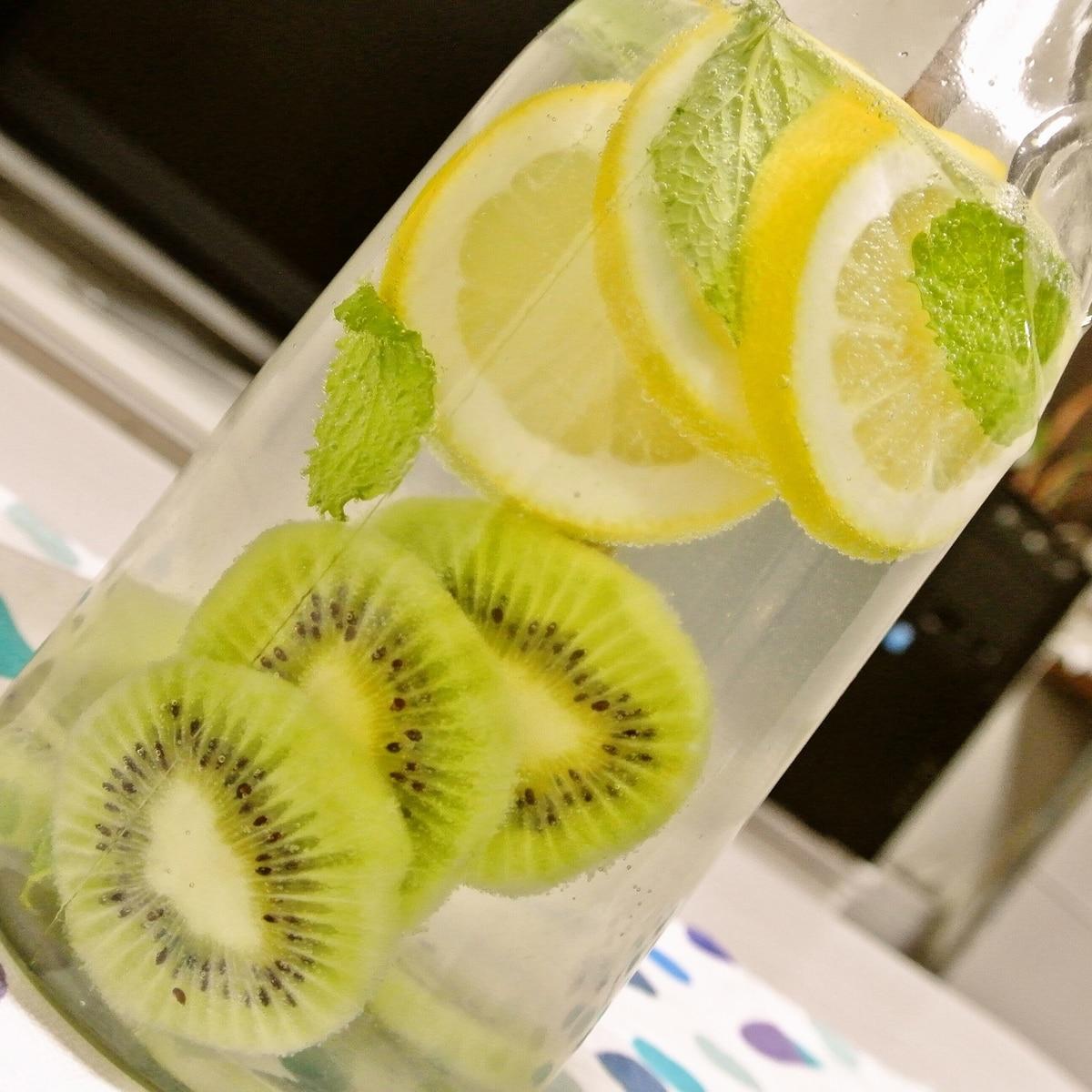 ウォーター レモン デトックス