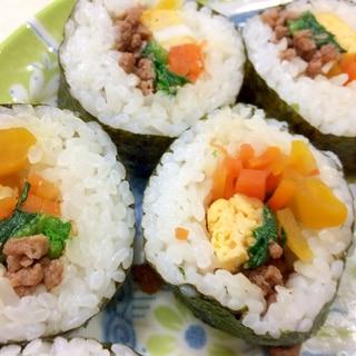 子どももパクリ!ビビンバ風巻き寿司