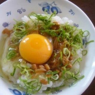 納豆となめたけの卵かけごはん