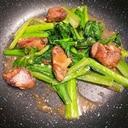 鶏レバーと青菜のにんにく中華炒め