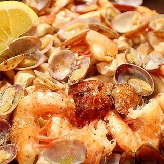 冷めても美味しい!きのこと海老とアサリのパエリア