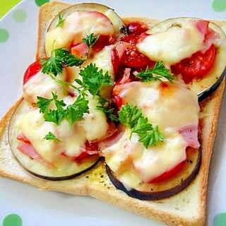 茄子とベーコンプチトマトのチーズトースト