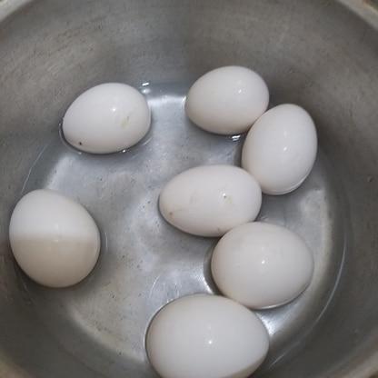 年中暑い場所に住んでいるのでゆで時間少なくて助かります。卵の殻も簡単にむけました。この方法、我が家の定番になりそうです。
