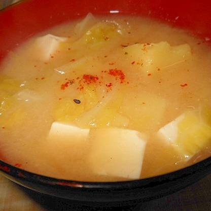 キャベツとじゃが芋の味噌汁