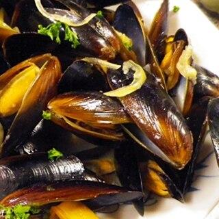 ムール貝の簡単ニンニクワイン蒸し