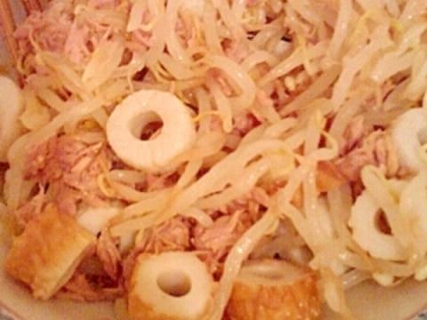 男の自炊料理。ちくわとツナともやしの和え物。