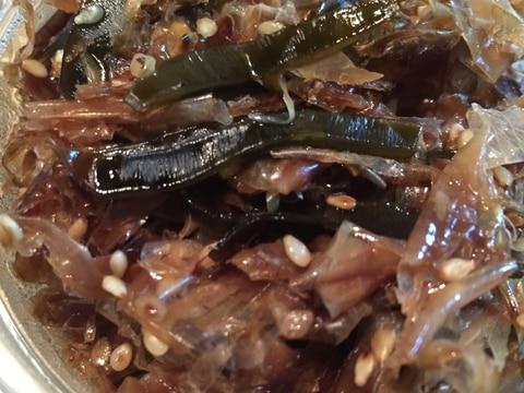 出汁を取った後の昆布と鰹節の佃煮