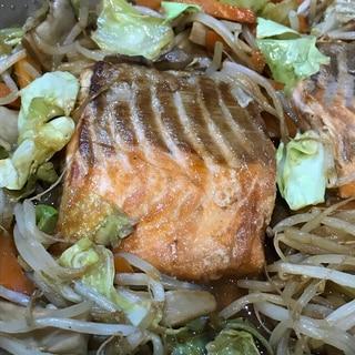 野菜たっぷり!なんちゃって鮭のちゃんちゃん焼き