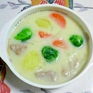 芽キャベツと豚角切りのシチュー(*^^*)