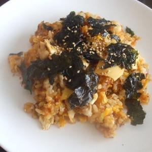 韓国の炒飯ポックンパ風、チーズコチュジャン炒飯。