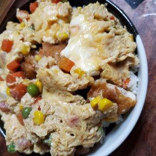 鶏天の卵とじ丼