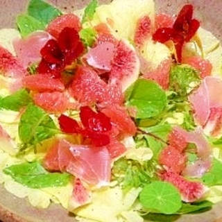 花オクラとフルーツのサラダ
