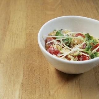 ヘルシ〜!レンズ豆とトマトのヨーグルトサラダ