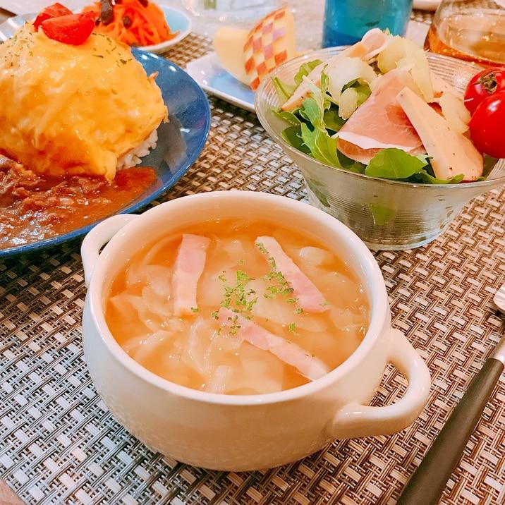 簡単♪キャベツとベーコンのスープ