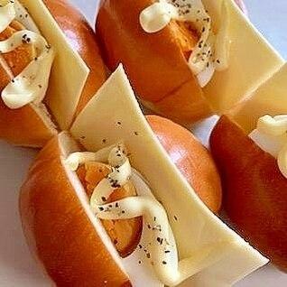 茹で卵とチーズのロールサンド