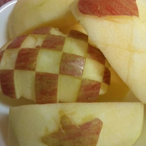 映えなのに超簡単!ぶきっちょさんの、りんご飾り切り
