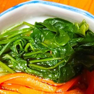 巻き寿司の色どり用にほうれん草煮
