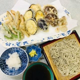 野菜天ぷらと冷やしそば(うどん)
