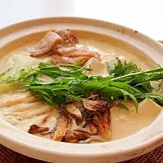 冬に体が温まる♪白味噌豆乳鍋