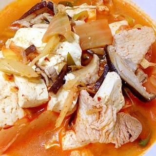 ピリ辛で温まろ◎スンドゥブ(豆腐のキムチ煮)