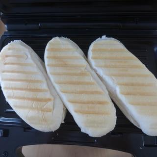ハム・卵・チーズのパニーニ