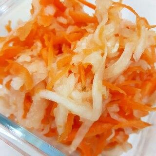 しりしり器で!(^^)ニンジンと大根の甘酢和え♪