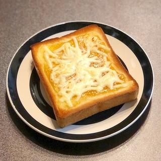 梅ジャムチーズトースト
