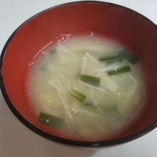 春キャベツとえのきとニラの味噌汁
